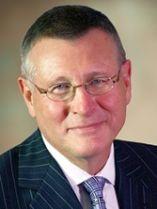 Dennis Gillings, enviado o embajador del Concejo Mundial de Demencia que creó el G8.
